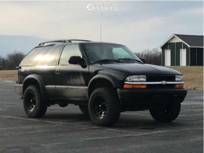 2001 Chevrolet Blazer - 16x8 -6mm - Black Rock Type 8 - Stock Suspension - 225/75R16