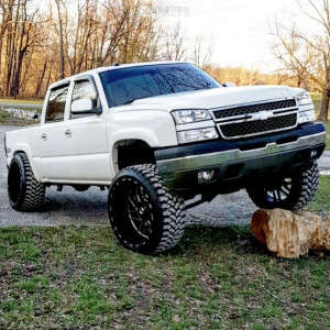 "2005 Chevrolet Silverado 1500 - 26x14 -78mm - TIS 544bm - Suspension Lift 6"" - 37"" x 13.5"""