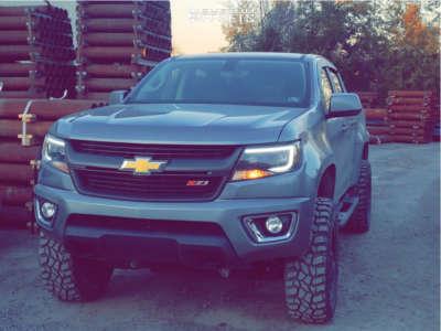 "2018 Chevrolet Colorado - 18x9 18mm - Moto Metal Mo970 - Suspension Lift 4"" - 275/65R18"