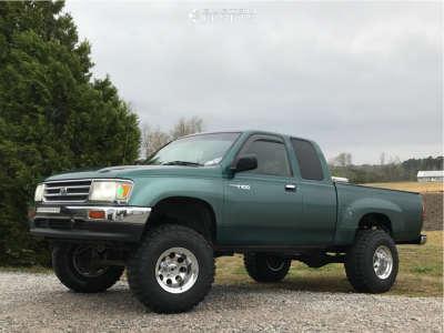 "1997 Toyota T100 - 15x12 -73mm - Mickey Thompson Classic Iii - Leveling Kit & Body Lift - 33"" x 12.5"""