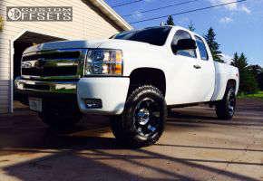 2010 Chevrolet Silverado 1500 - 17x9 -12mm - XD Spy  - Leveling Kit - 285/70R17