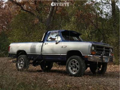 """1990 Dodge W250 - 20x9 0mm - Weld Racing Method - Suspension Lift 3"""" - 275/60R20"""