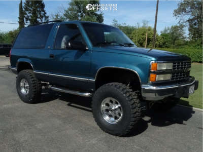 "1992 Chevrolet Blazer - 16x8 -22mm - Mickey Thompson Classic Iii - Suspension Lift 6"" - 315/75R16"