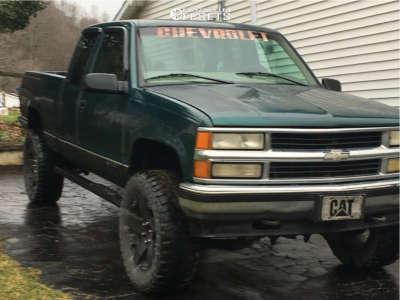 "1998 Chevrolet K1500 - 17x8 10mm - Xd Xd775 - Suspension Lift 6"" - 35"" x 12.5"""
