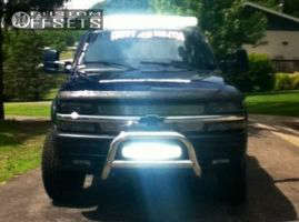 "1999 Chevrolet Silverado 1500 - 16x8 0mm - Vision Warrior - Body Lift 3"" - 33"" x 10.5"""