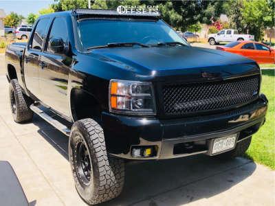 """2008 Chevrolet Silverado 1500 - 17x8.5 0mm - Method Mesh - Suspension Lift 6"""" - 315/75R17"""