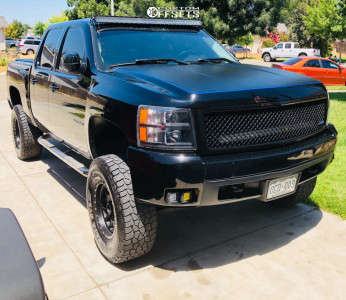"""2008 Chevrolet Silverado 1500 - 17x8.5 0mm - Method Mesh - Suspension Lift 6"""" - 315/70R17"""