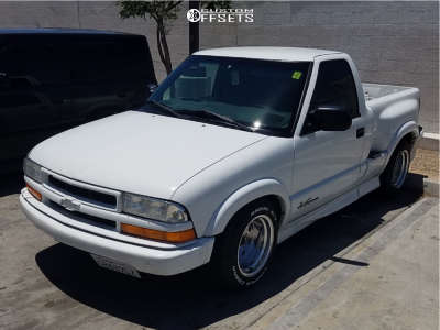 2000 Chevrolet S10 - 15x10 -25mm - Vision Street Lite - Stock Suspension - 235/60R15