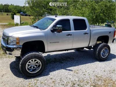 """2010 Chevrolet Silverado 1500 - 20x12 -44mm - Fuel Maverick D536 - Suspension Lift 8"""" - 38"""" x 15.5"""""""