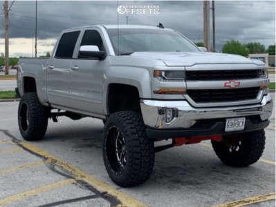 "2018 Chevrolet Silverado 1500 - 22x12 -44mm - Hostile Sprocket - Suspension Lift 8"" - 37"" x 13.5"""