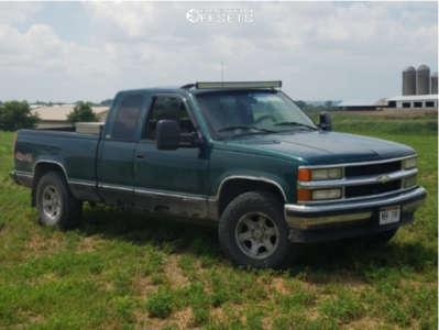 1996 Chevrolet K1500 - 16x8.5 0mm - Pacer Warrior - Stock Suspension - 265/75R16