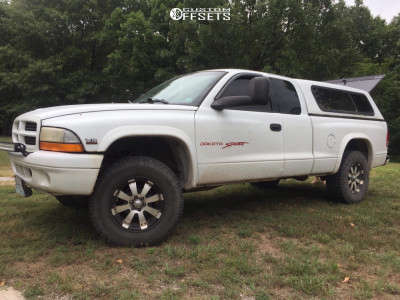 "1998 Dodge Dakota - 16x8 10mm - Ultra Mako - Body Lift 3"" - 265/75R16"