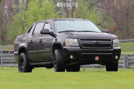 2008 Chevrolet Avalanche - 20x9 -12mm - Helo He904 - Leveling Kit - 275/60R20