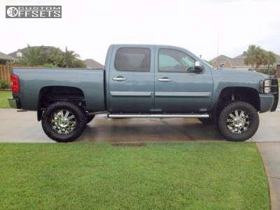 "2010 Chevrolet Silverado 1500 - 20x9 18mm - XD Hoss - Suspension Lift 6"" - 325/60R20"