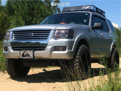 "2009 Ford Explorer - 15x8 -19mm - Pro Comp Series 69 - Suspension Lift 2.5"" - 32"" x 11.5"""