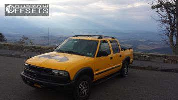 "2004 Chevrolet S10 - 16x7 25mm - Stock OEM - Stock Suspension - 25"" x 7.5"""