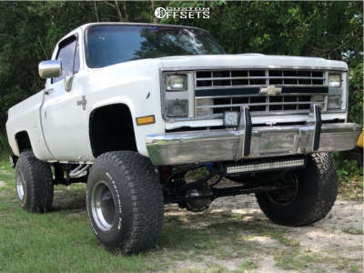 "1986 Chevrolet K10 Pickup - 15x15 -88mm - Weld Racing Classic - Suspension Lift 6"" & Body 3"" - 35"" x 12.5"""