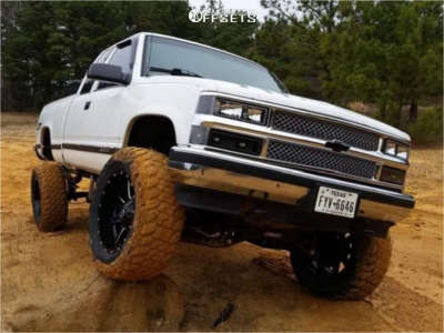 "1998 Chevrolet K1500 - 20x12 -44mm - Fuel Maverick - Suspension Lift 6"" - 35"" x 12.5"""