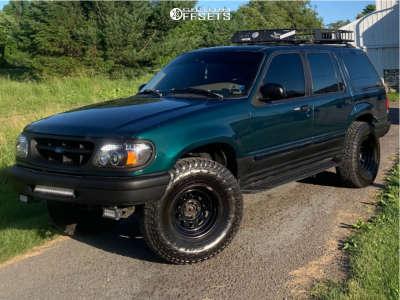 "1996 Ford Explorer - 15x8 -25mm - Pro Comp Series 51 - Suspension Lift 3"" - 33"" x 12.5"""