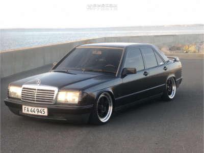 1986 Mercedes-Benz 190E - 17x8 35mm - Japan Racing Jr6 - Air Suspension - 205/40R17