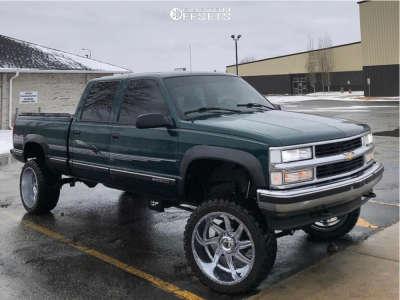 """2000 Chevrolet K2500 - 22x12 -44mm - American Truxx Vortex - Suspension Lift 6"""" - 33"""" x 12.5"""""""