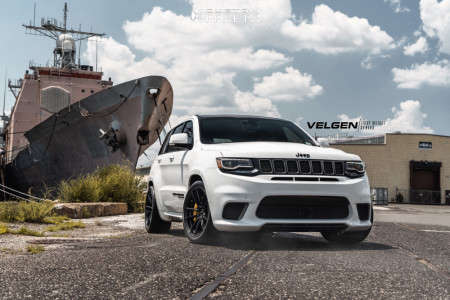 2018 Jeep Grand Cherokee - 20x10.5 34mm - Velgen Vf5 - Lowered on Springs - 315/35R20
