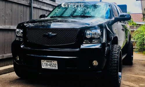 "2009 Chevrolet Avalanche - 24x12 -44mm - TIS 544bm - Suspension Lift 3"" - 33"" x 12.5"""