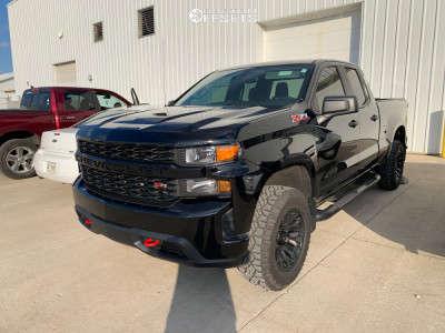 2019 Chevrolet Silverado 1500 - 18x9 -12mm - Fuel Blitz - Stock Suspension - 275/65R18