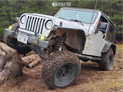 """2006 Jeep TJ - 15x8 -19mm - Black Rock 997 - Suspension Lift 4"""" - 35"""" x 12.5"""""""