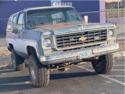 "1976 Chevrolet K5 Blazer - 15x10 -45mm - Mickey Thompson Classic Iii - Suspension Lift 2.5"" - 33"" x 12.5"""
