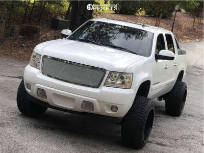 "2007 Chevrolet Avalanche - 22x14 -76mm - Xd Recoil - Suspension Lift 7.5"" - 35"" x 12.5"""