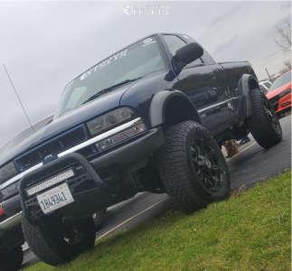"2003 Chevrolet S10 - 18x9 -12mm - Anthem Off-Road Defender - Suspension Lift 2.5"" - 265/70R18"