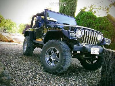 """2006 Jeep TJ - 17x9 0mm - Raceline Renegade - Suspension Lift 6"""" - 35"""" x 12.5"""""""