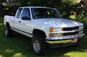 """1998 Chevrolet K1500 - 15x10 -44mm - Pro Comp series 69 - Suspension Lift 3"""" - 33"""" x 12.5"""""""