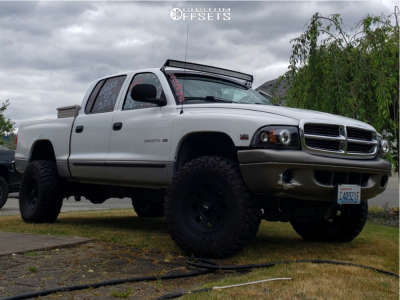 "2000 Dodge Dakota - 15x8 -19mm - American Racing Ar172 - Body Lift 3"" - 33"" x 12.5"""
