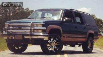 1994 Chevrolet K1500 Suburban - 20x9 18mm - Helo HE835 - Leveling Kit - 315/70R20