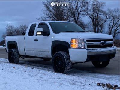 """2008 Chevrolet Silverado 1500 - 20x12 -44mm - Fuel Hostage D531 - Suspension Lift 3"""" - 255/50R20"""