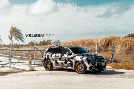 2019 Jeep Grand Cherokee - 22x10.5 35mm - Velgen Vf5 - Lowered on Springs - 305/35R22