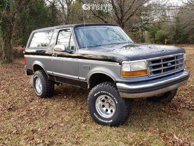"1993 Ford Bronco - 15x10 -47mm - Pro Comp 69 - Suspension Lift 4"" - 33"" x 12.5"""
