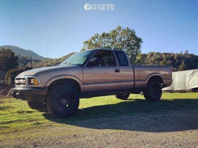 """1997 Chevrolet S10 - 15x8 -19mm - Pro Comp Series 97 - Suspension Lift 3"""" - 235/75R15"""