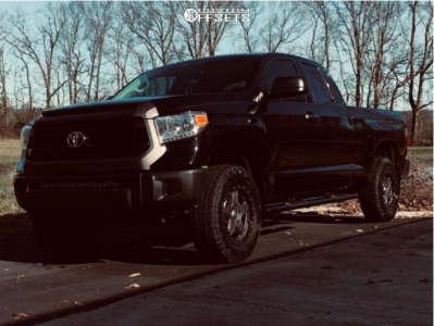 "2017 Toyota Tundra - 18x8.5 35mm - American Racing Atx Ax194 - Suspension Lift 3"" - 265/70R18"