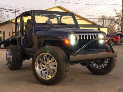 2004 Jeep TJ - 20x12 -44mm - TIS 544c - Stock Suspension - 285/55R20