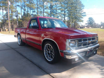 1989 Chevrolet S10 - 18x8 0mm - US Mags Rambler - Lowered 4F / 6R - 245/45R18
