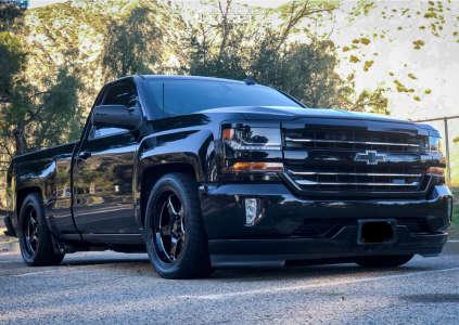 2016 Chevrolet Silverado 1500 - 20x9.5 15mm - Cosmis Racing Xt-005r - Lowered 4F / 6R - 295/40R20