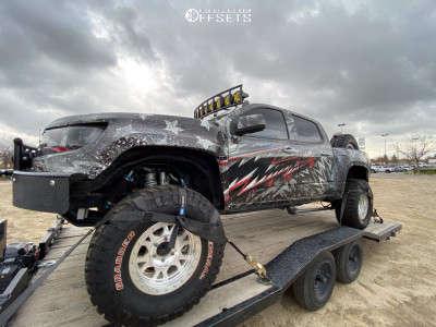 "2016 Chevrolet Colorado - 17x9 -14mm - Ultra 103 - Suspension Lift 2.5"" - 35"" x 12.5"""