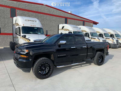 2019 Chevrolet Silverado 1500 LD - 20x12 -44mm - Fuel Cleaver - Leveling Kit - 305/55R20