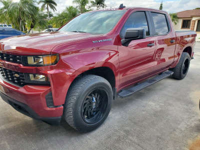 2019 Chevrolet Silverado 1500 - 20x10 -19mm - Hardrock Crusher H704 - Stock Suspension - 275/60R20