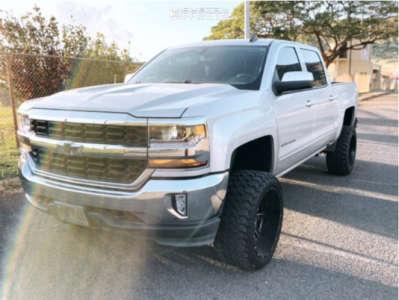 """2017 Chevrolet Silverado 1500 - 22x12 -44mm - Fuel Maverick D538 - Suspension Lift 7"""" - 33"""" x 12.5"""""""