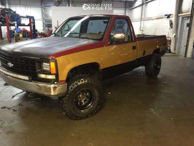 "1988 Chevrolet K2500 - 15x10 -38mm - Pacer Black Daytona - Suspension Lift 2.5"" - 33"" x 12.5"""