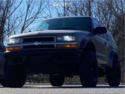 "2001 Chevrolet Blazer - 15x8 -19mm - American Racing Ar23 - Stock Suspension - 31"" x 10.5"""